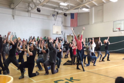 Cast of Anything Goes holds flash mob during lunch period