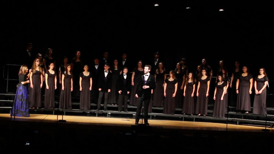 Liam+Sandt+sings+a+solo+while+performing+with+the+Chamber+Choir.