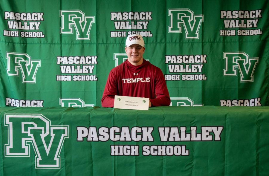 Senior+James+Della+Pesca+tore+his+ACL+in+2018+and+has+since+committed+to+Temple+to+play+Division+I+football.