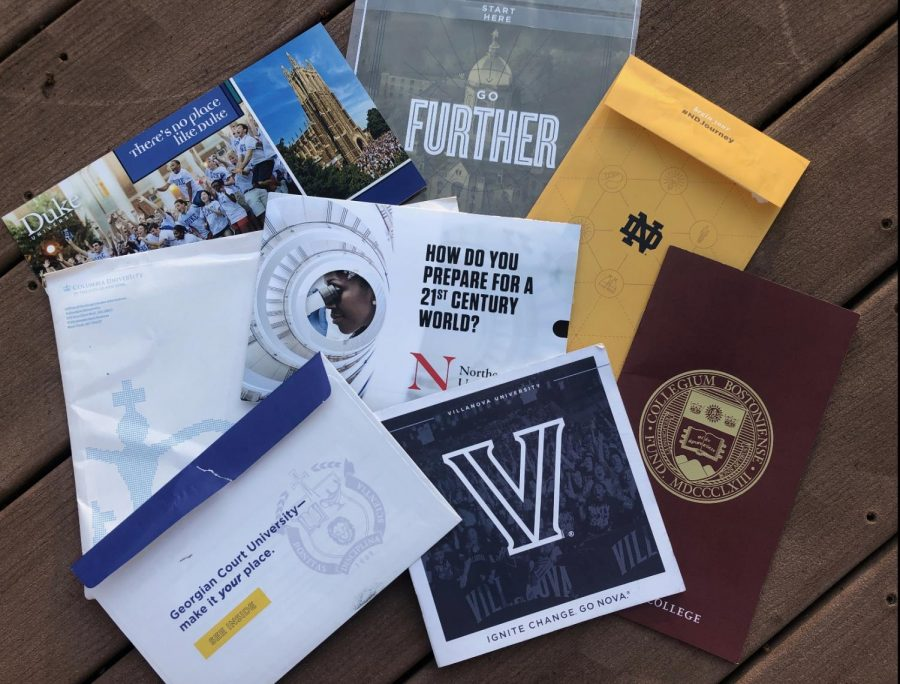 Due to the coronavirus, colleges have shut down their campuses and moved tours and admitted student days online. Seniors Anna Urrea and Justine Tarabocchia share their challenges with picking a college.