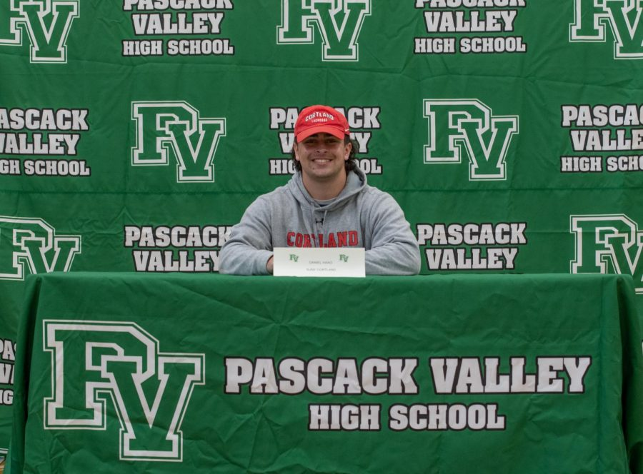 Daniel Haag makes his commitment to SUNY Cortland official.
